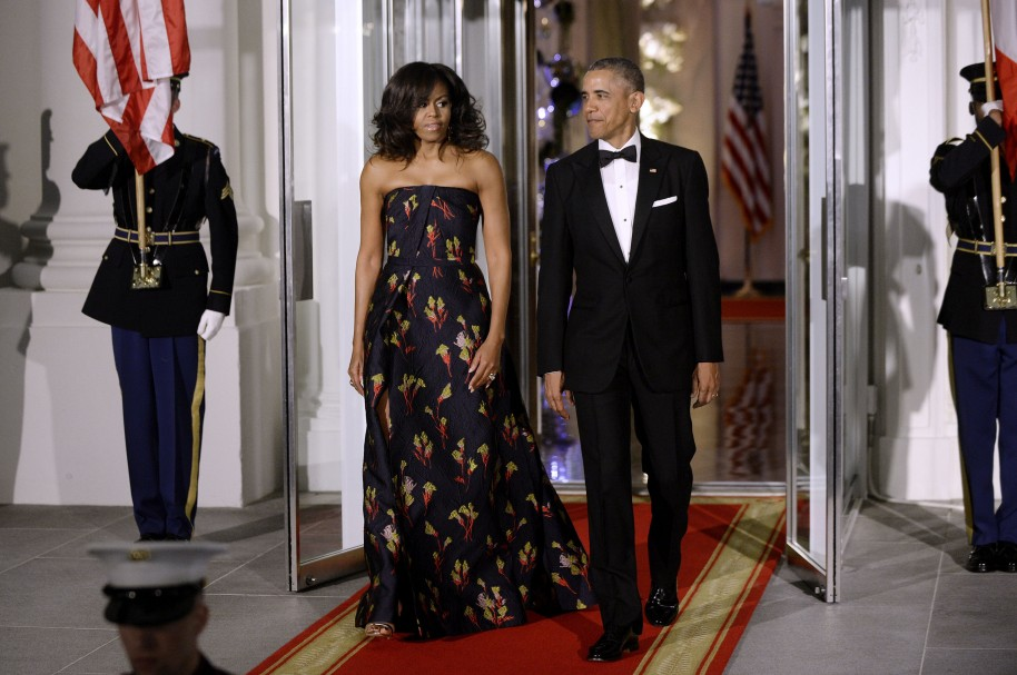 WASHINGTON, DC - MARCH 10:  (L-R) First Lady Michelle Obama and President Barack Obama arrive to welcome Canadian Prime Minister Trudeau and First Lady Sophie Trudeau of Canada  at the North Portico of the White House on March 10, 2016 in Washington, D.C. Prime Minister Trudeau is on an official visit to Washington. (Photo by Olivier Douliery-Pool/Getty Images)