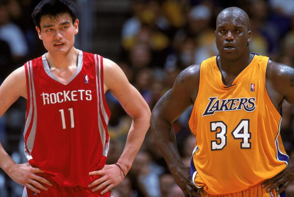 Yao Ming y Shaquille O'Neal / Getty Images