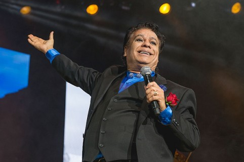 SAN ANTONIO, TX - NOVEMBER 12:  Singer-songwriter Juan Gabriel performs in concert at the AT&T Center on November 12, 2015 in San Antonio, Texas.  (Photo by Rick Kern/WireImage)