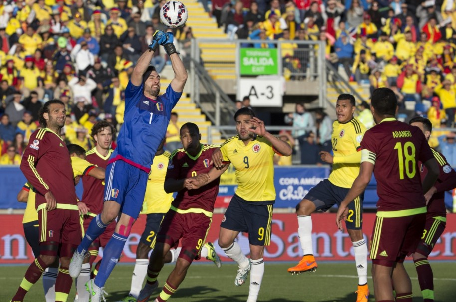 debuts Colombia