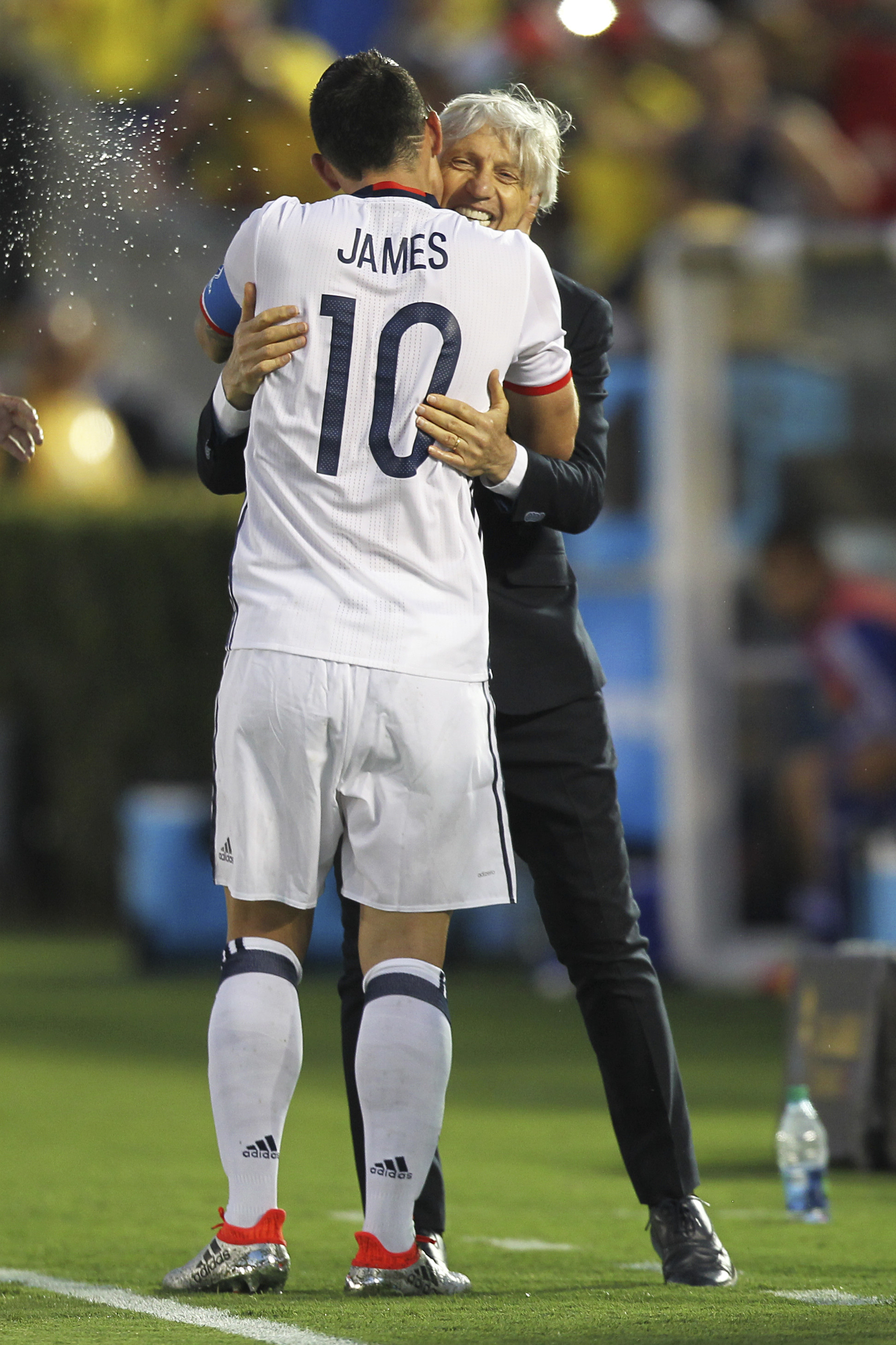 PASADENA, CALIFORNIA - JUNE 07: James Rodriguez of Colombia and his coach Jose Pekerman hug during a group A match between Colombia and Paraguay at Rose Bowl Stadium as part of Copa America Centenario US 2016 on June 07, 2016 in Pasadena, California, US. (Photo by Omar Vega/LatinContent/Getty Images)
