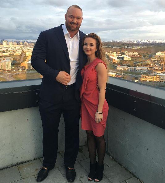 La Montaña y su novia
