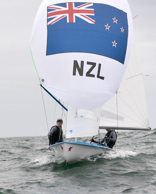 Navegantes de Nueva Zelanda entrenan para los Juegos Olímpicos Río 2016.