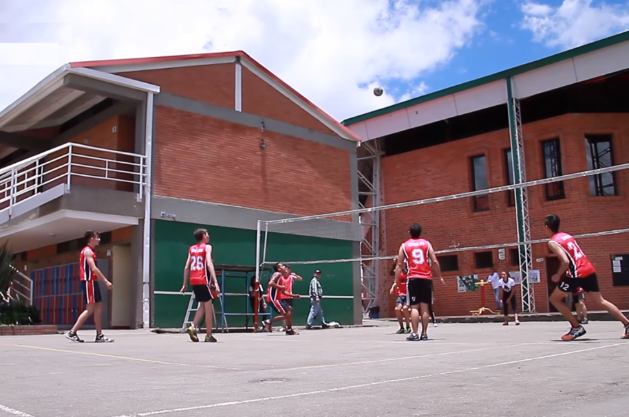 Torneo Dragons de voleibol en el Colegio Emilio Valenzuela- pulzo.com