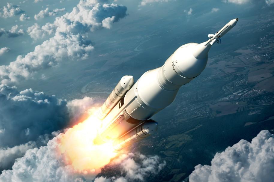 Sistema de lanzamiento espacial volando sobre las nubes (Escena 3D))