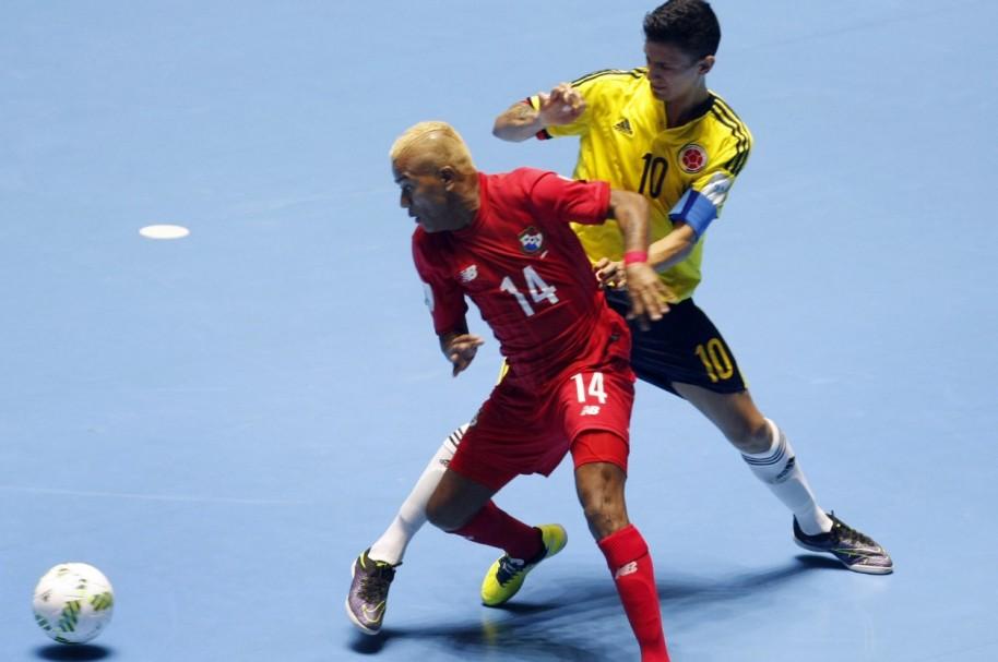 Angellot Caro jugando contra Panamá