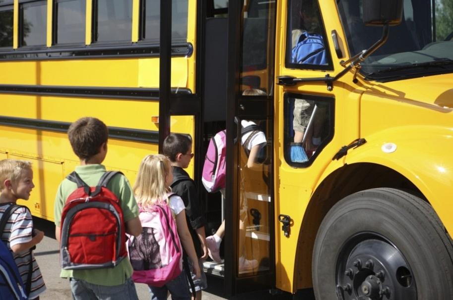 Niña muere en ruta escolar