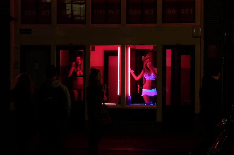 prostitutas en el barrio del pilar prostitutas fondo