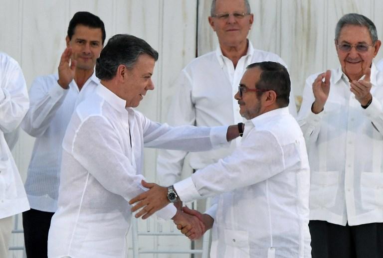 Juan Manuel Santos y Rodrigo Londoño, alias 'Timochenko'.