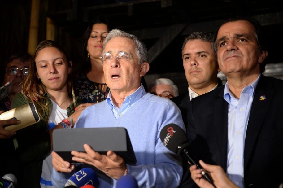 Uribe y sus seguidores