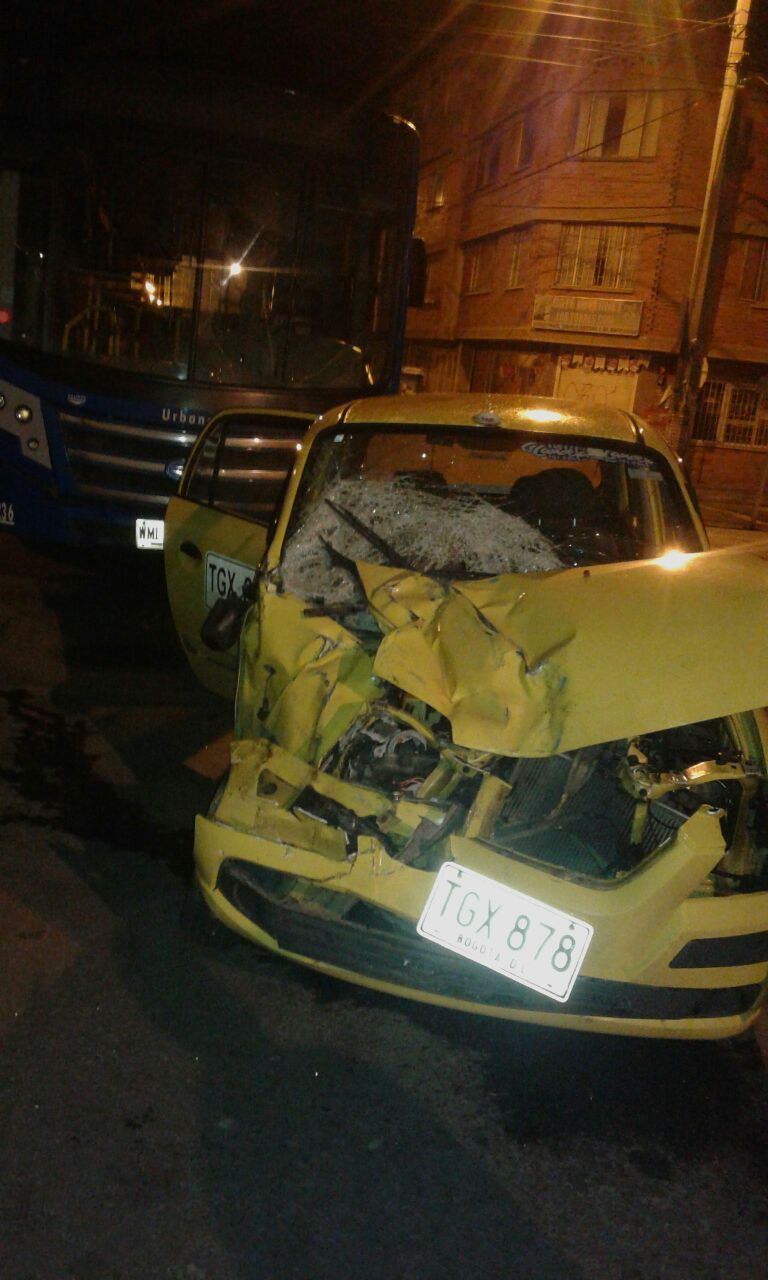 Taxi accidentado en Usaquén