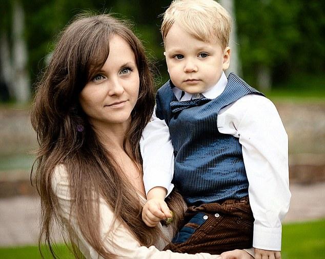 Madre suicida y su hijo de 8 años. Pulzo.com