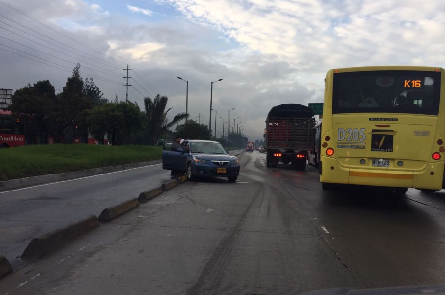 Accidente estación de Transmilenio Prado