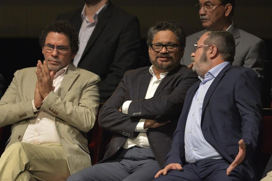 Pastor Alape, Iván Márquez y Timochenko