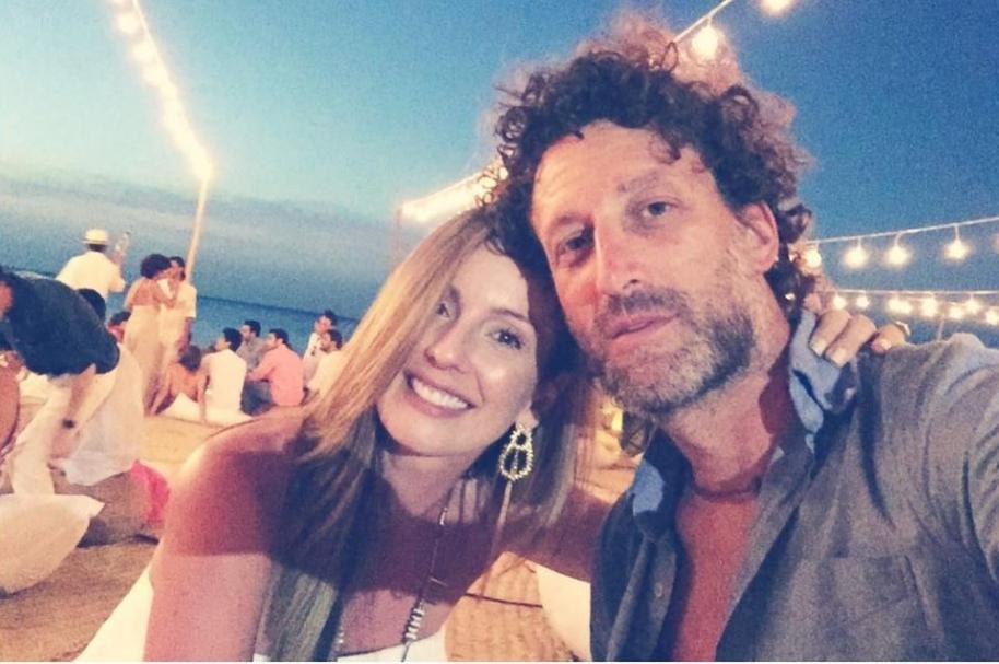 La presentadora Claudia Bahamón y su esposo, el director de cine Simón Brand.
