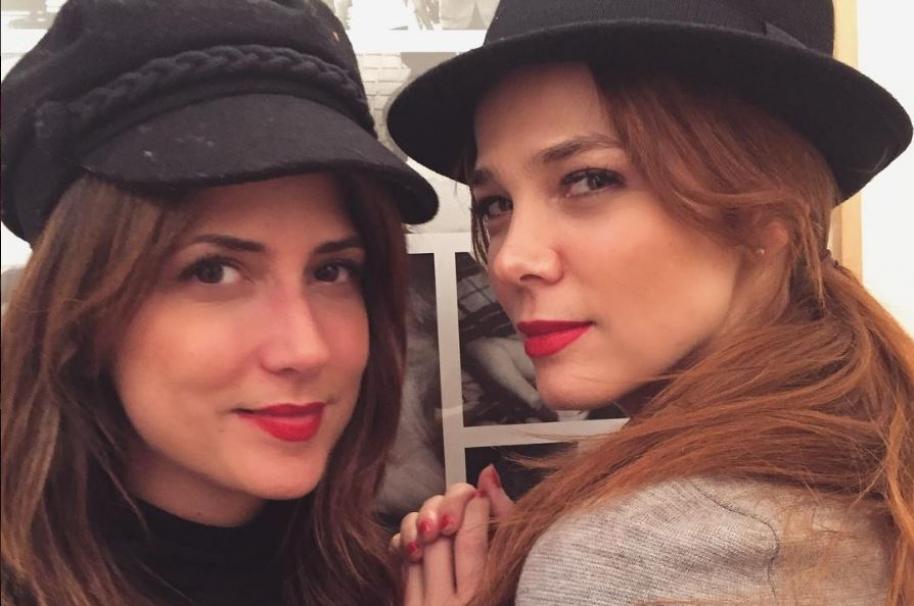 Valentina y Juanita Acosta, hermanas y actrices.