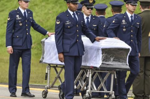 Víctimas del Chapecoense regresan a Brasil