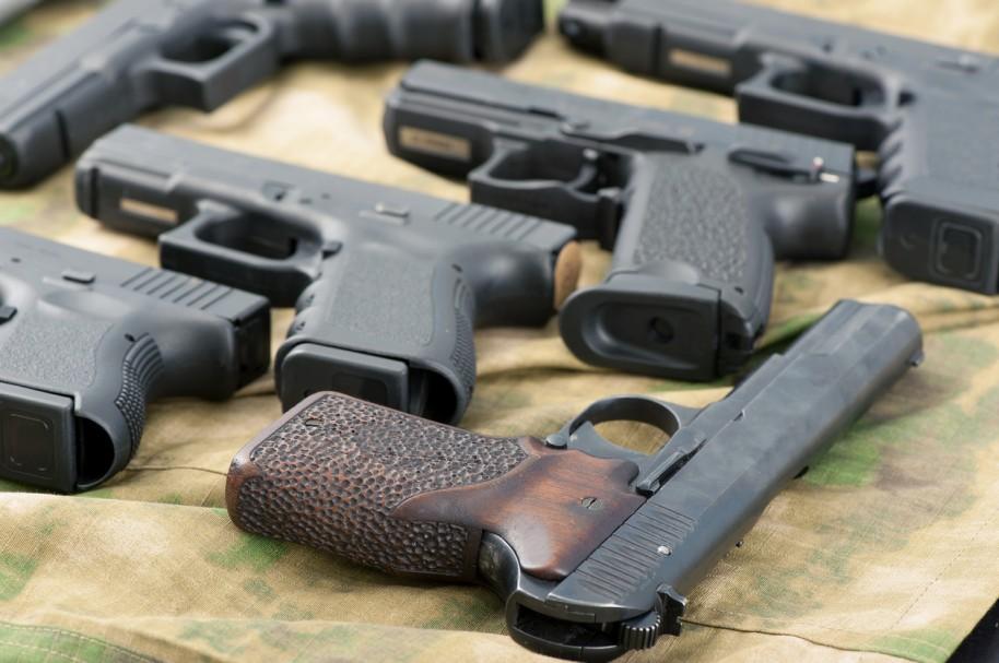 Pistolas variadas