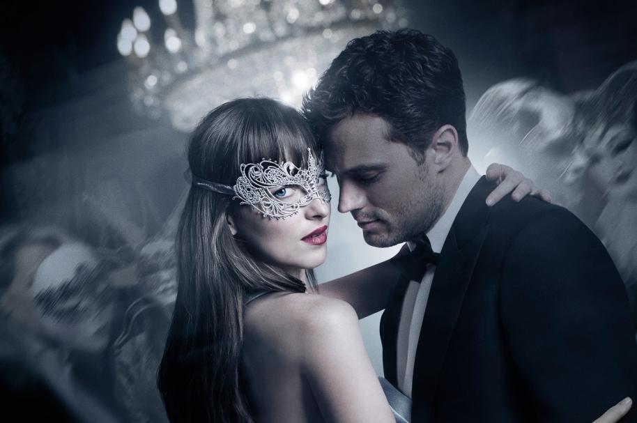 Afiche oficial de '50 shades darker'