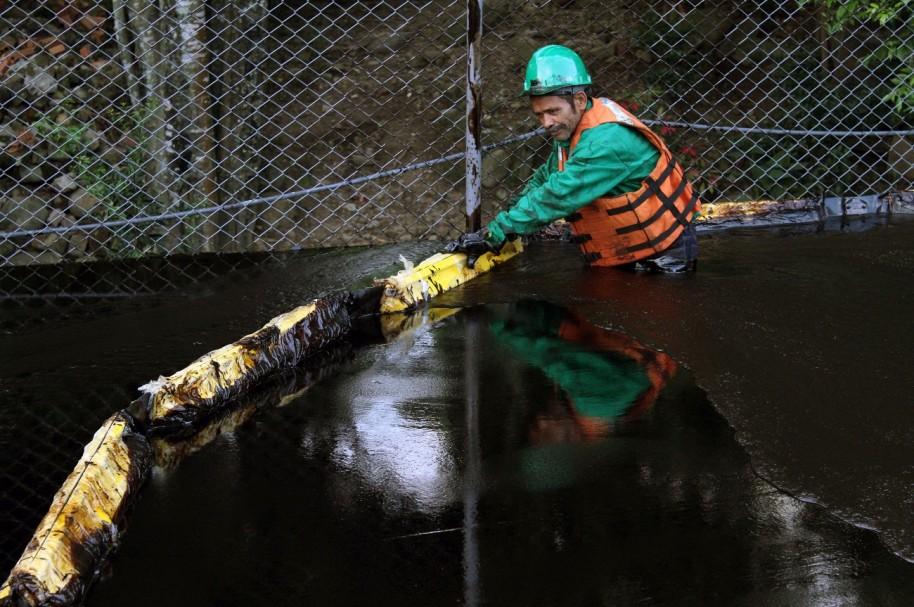 Daños ambientales por derrame de crudo