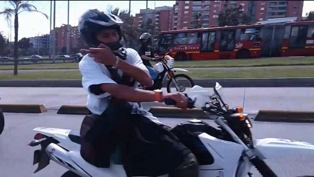 Moto en Ciclovía