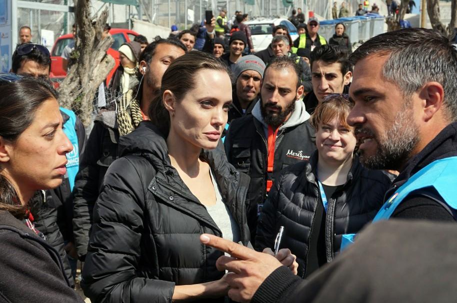 Angelina Jolie, en un campo de refugiados