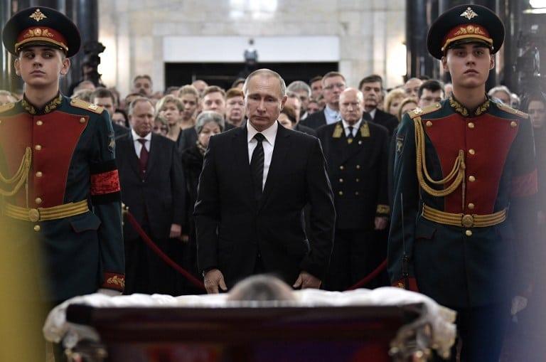 Vladimir Putin despide a difunto embajador ruso Andrei Karlov. Pulzo.com