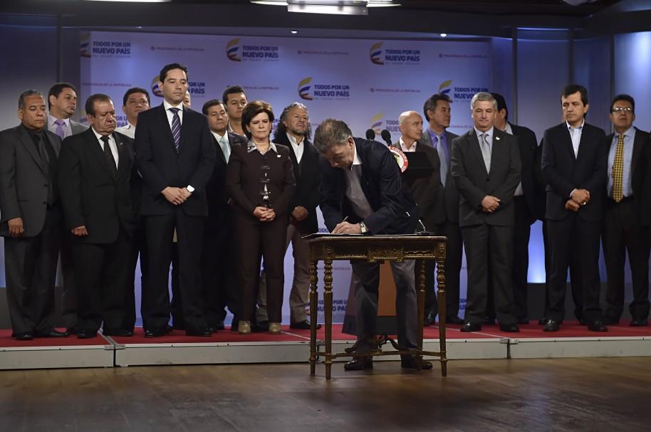 Santos y representantes de los servidores públicos