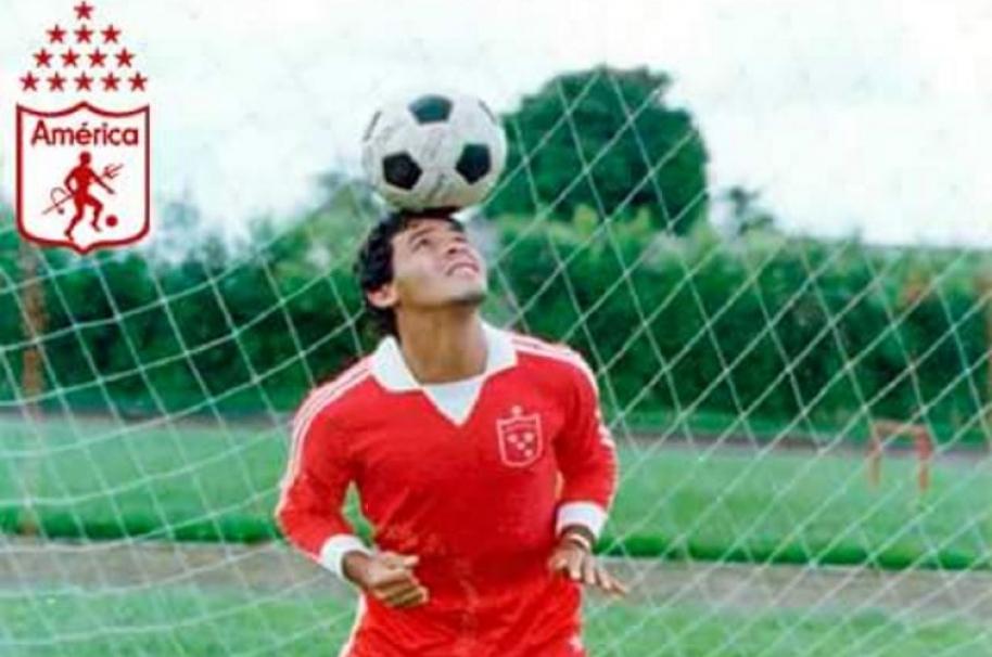 Roberto Cabañas, exfutbolista paraguayo de América de Cali y Boca Juniors.