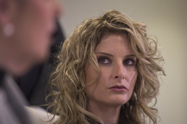 Summer Zervos acusa a Donald Trump de intentar abusar de ella