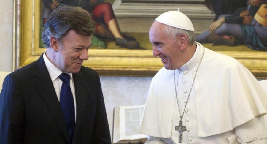Papa Francisco y Santos