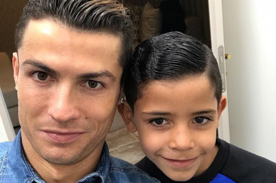 Cristiano Ronaldo, futbolista del Real Madrid, y su hijo Cristiano Jr.