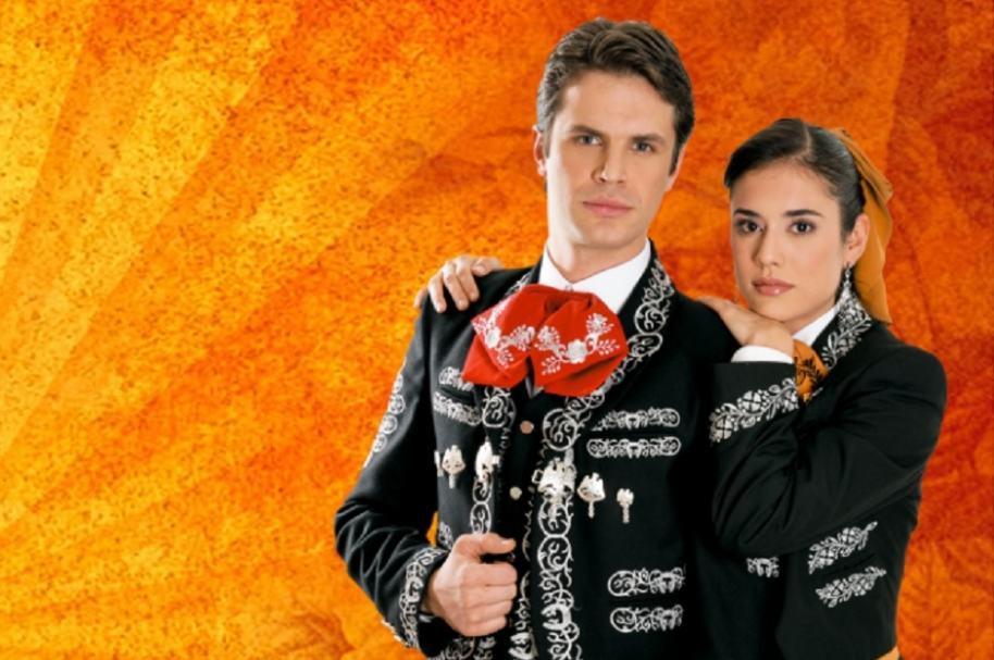 Mark Tacher y Carolina Ramírez, protagonistas de 'La hija del mariachi'.