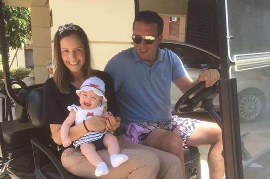 Laura Acuña, presentadora de RCN, junto a su esposo Rodrigo Kling y su hija Helena.