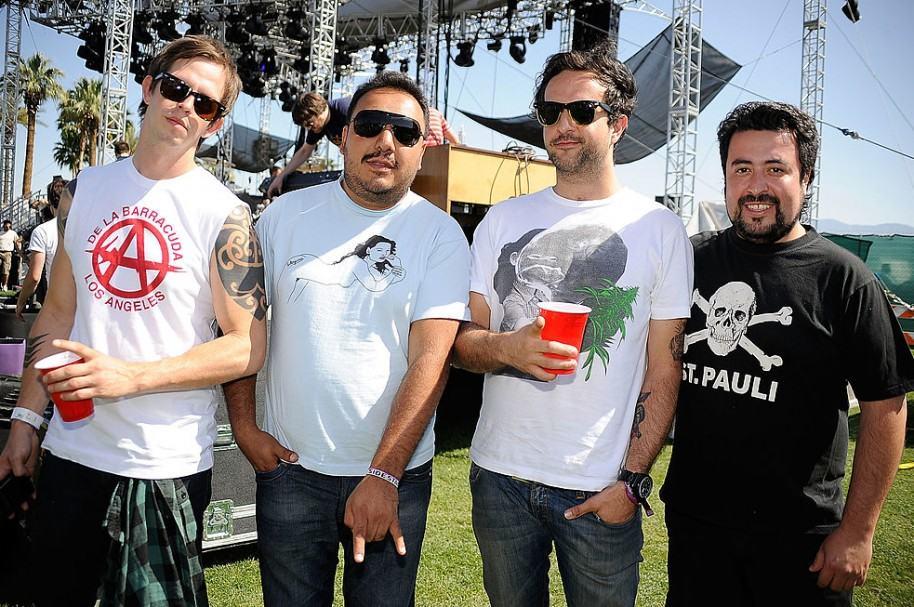 Randy Ebright, Paco Ayala, Tito Fuentes y Micky Huidobro de Molotov