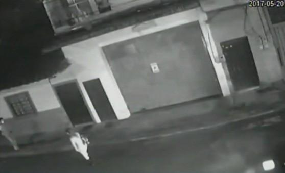 Momentos antes de que hombre golpeara a su pareja en El Carmen de Viboral. Pulzo.com