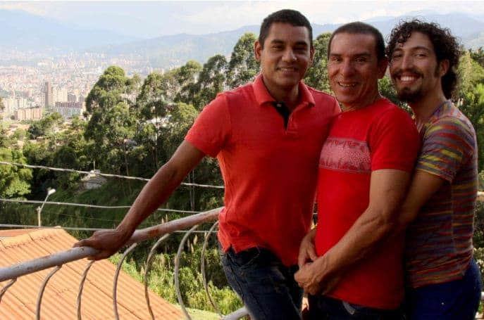 Trieja de hombres gais en Medellín