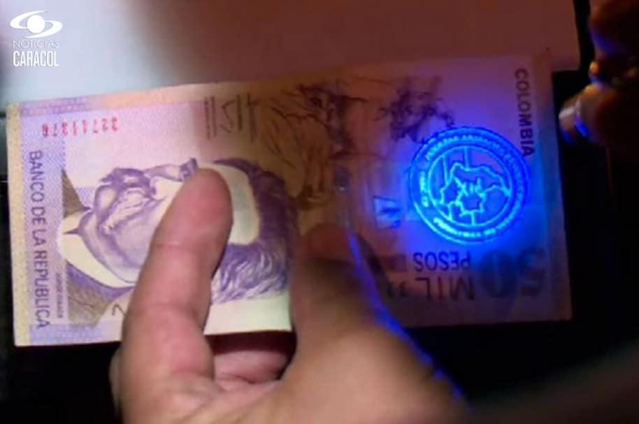 Este es el billete que supuestamente fue sacado de una caleta de las Farc