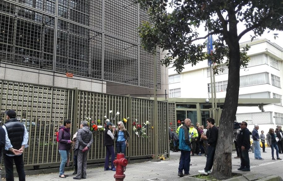 Homenaje en Embajada de Francia
