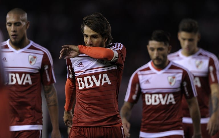 FBL-ARG-RIVER-RACING
