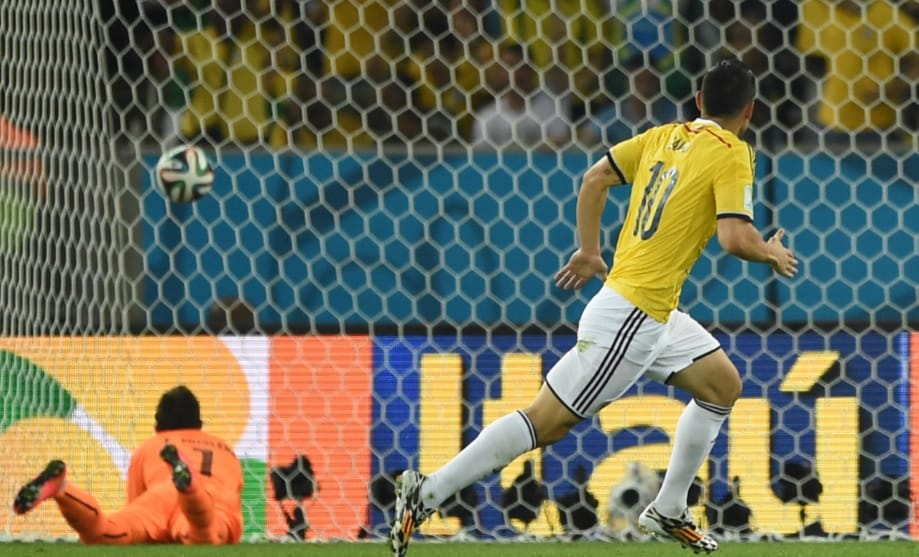 Gol de James a Uruguay