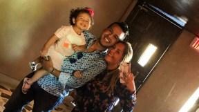El cantante Martín Elías (Q.E.P.D.) junto a su esposa Dayana Jaimes y su hija Paula Elena, 'la Purri'.