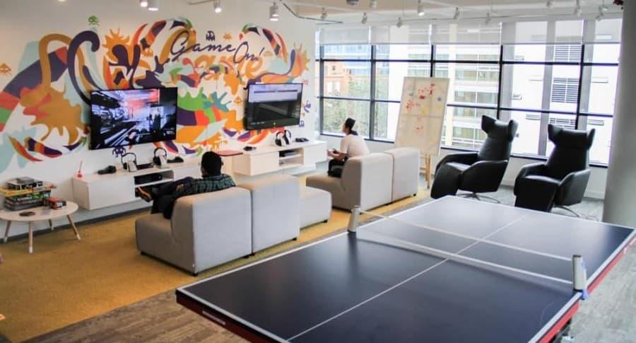 Video as son las oficinas de mercado libre la mejor for Oficinas bimbo bogota