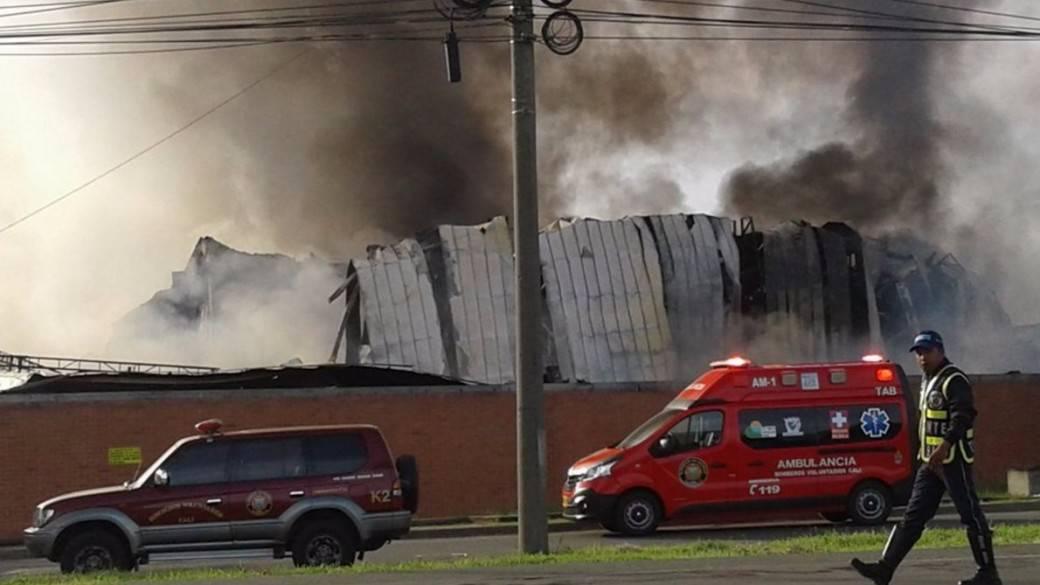 Incendio en bodegas de Yumbo, Valle del Cauca. Pulzo.com