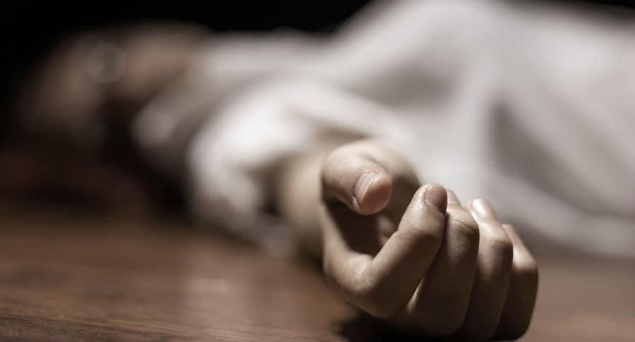 Mujer muerta.