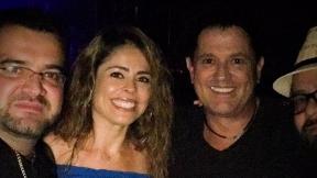 Chely Torres junto a el cantante Carlos Vives.