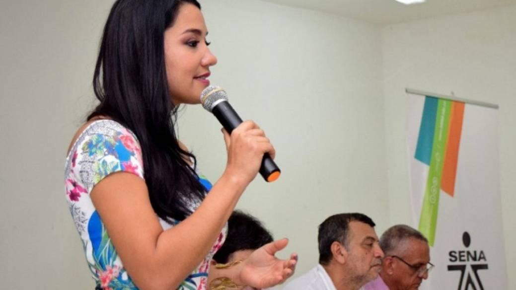 Disculpas públicas a directora del Sena