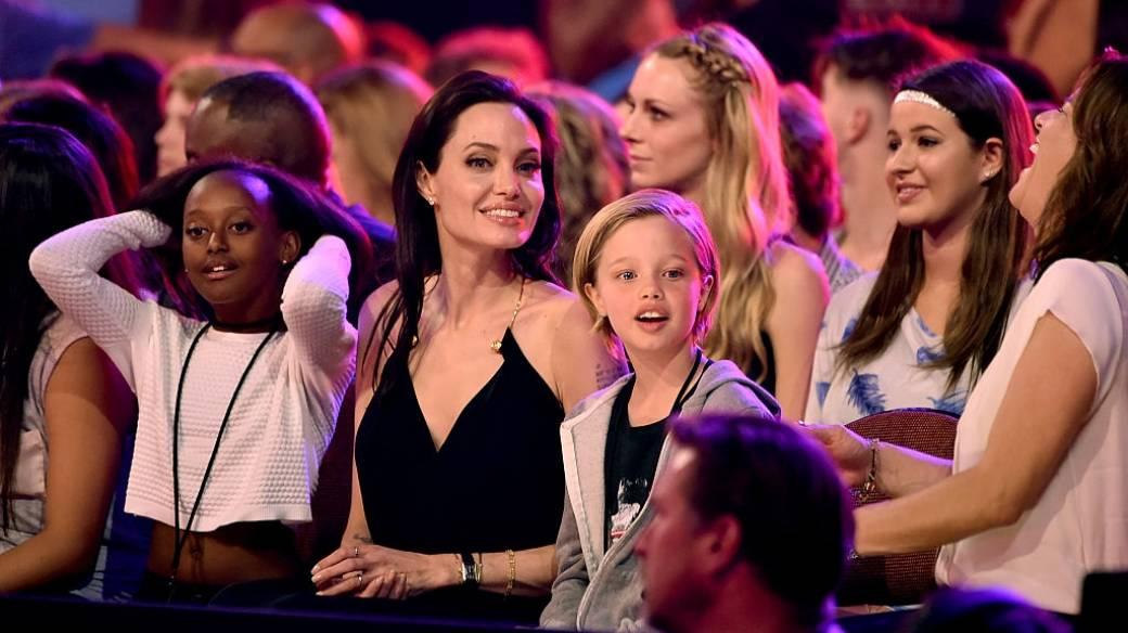 Angelina Jolie junto a su hija Shiloh