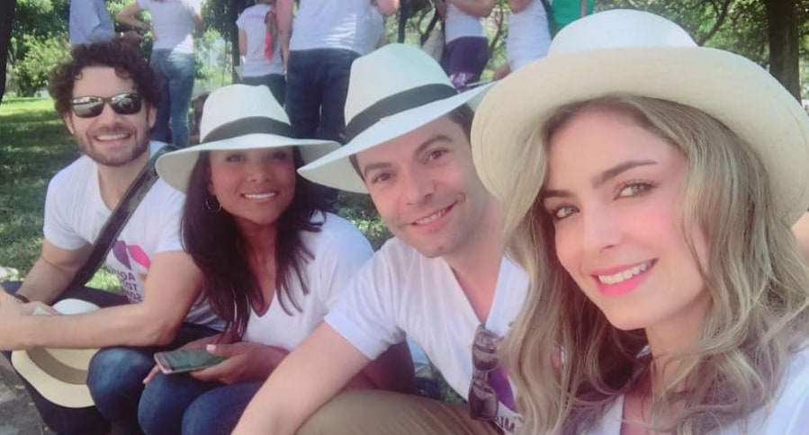 Josse Narváez, Mabel Lara, Iván Lalinde y Cristina Hurtado, presentadores de Canal 1.