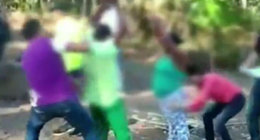 Momento de la captura de la pareja que abusaba de las menores